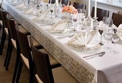 Tisch Decken Pic : Konfirmation tischdecken festlich dekoriert für den großen tag