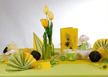 Frühlings Tischdeko mit Kunstblumen