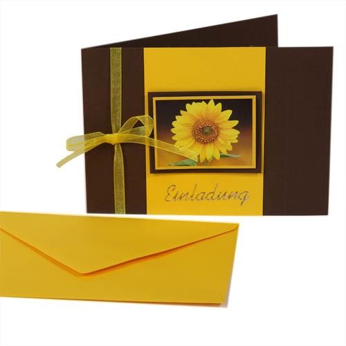 Einladungskarte zum Geburtstag in Gelb/Braun Bild 1