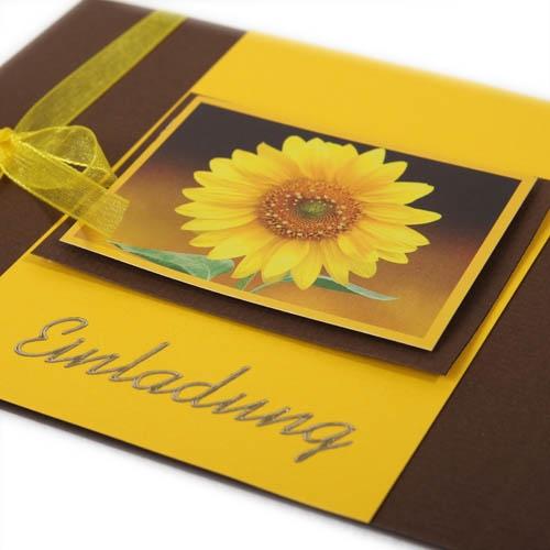 einladungskarte zum geburtstag in gelb/braun, Einladungsentwurf