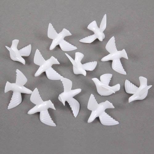 Tauben In Weiss Als Streudeko Fur Die Tischdekoration Hochzeit
