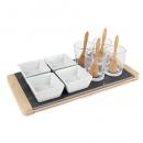 4 Keramik Schalen und 4 Dipgläser mit Holzlöffeln auf Schiefertablett