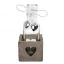 Flaschen Väschen im rustikalen Holzgestell mit Herzen, 16,5 cm
