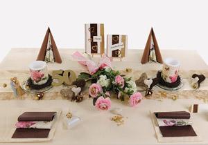 Goldene Hochzeit Tischdeko in Gold Creme