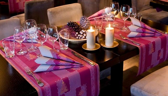 Servietten mustertische weihnachten buon natale aubergine for Duni servietten weihnachten