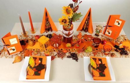 wundersch ne herbsttischdeko in orange ein hauch von halloween inklusive tafeldeko. Black Bedroom Furniture Sets. Home Design Ideas