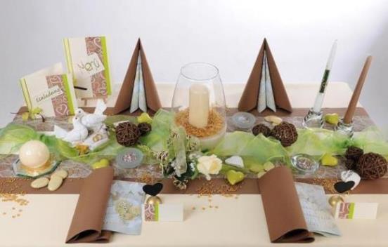 Hochzeits Tischdeko in Braun und Grün