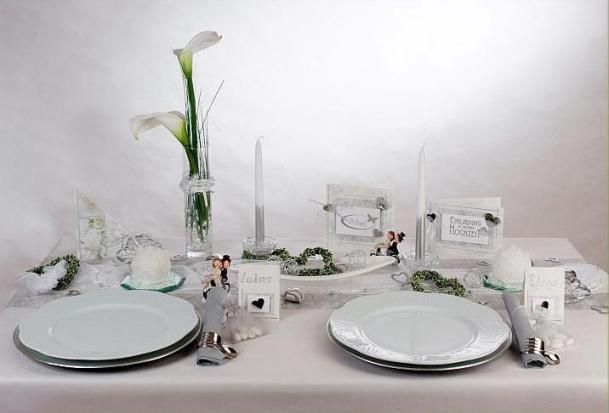 Neue Ideen Fur Die Hochzeitstischdeko In Weiss Silber Und Grun