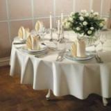 Tischdeko runde Tische zur Hochzeit