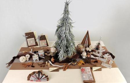 Tischdeko weihnachten natur  Weihnachtliche Tischdeko in Brauntönen | Tafeldeko