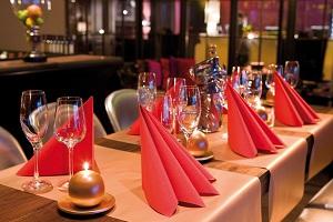 silvester party raclette und die passende tischdekoration tafeldeko. Black Bedroom Furniture Sets. Home Design Ideas