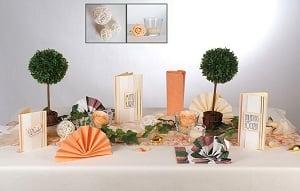 Hochzeit An Dieser Extrem Schonen Tischdekoration In Apricot Fuhrt