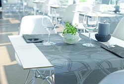 wundersch n edle tischdekoration zur silberhochzeit tafeldeko. Black Bedroom Furniture Sets. Home Design Ideas