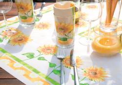 tischdeko mit sonnenblumen jedes jahr aufs neue beliebt tafeldeko. Black Bedroom Furniture Sets. Home Design Ideas