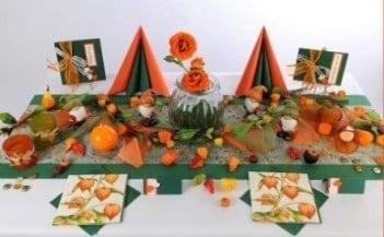 Tischdeko herbst kindergarten  Wunderschöne herbstliche Tischdekoration in Orange und Grün ...