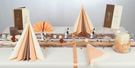 Rustikale Tischdekoration Fur Die Hochzeit Tafeldeko