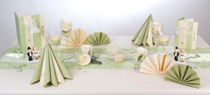 Wundervolle tischdeko zur silberhochzeit tafeldeko for Tischdeko zur hochzeit