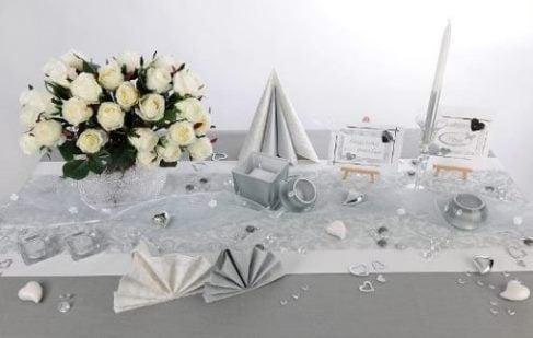 Hochzeit tischdeko in silber stimmungsvoll zur winterszeit tafeldeko - Tischdeko silber ...