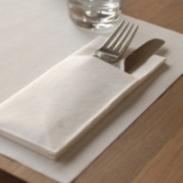 bestecktaschen in der tischdekoration tafeldeko. Black Bedroom Furniture Sets. Home Design Ideas