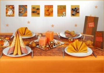 die tischdekoration in orange zu weihnachten tafeldeko. Black Bedroom Furniture Sets. Home Design Ideas