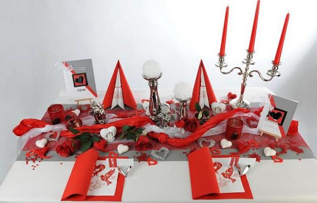 Hochzeits Tischdeko in Rot